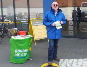 Grüne Flagge, SPD-Würfel und CSU-Jacke für die StUB